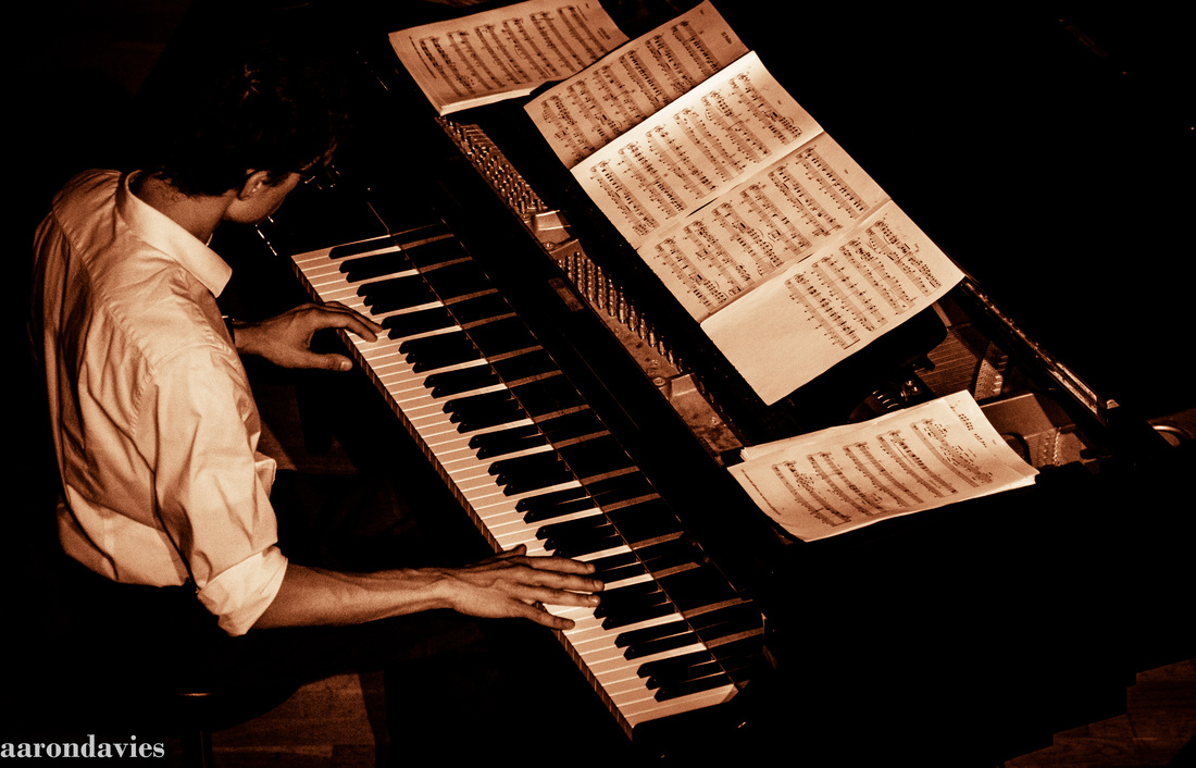 Voice, Bass & Piano Players - London Tango Orchestra